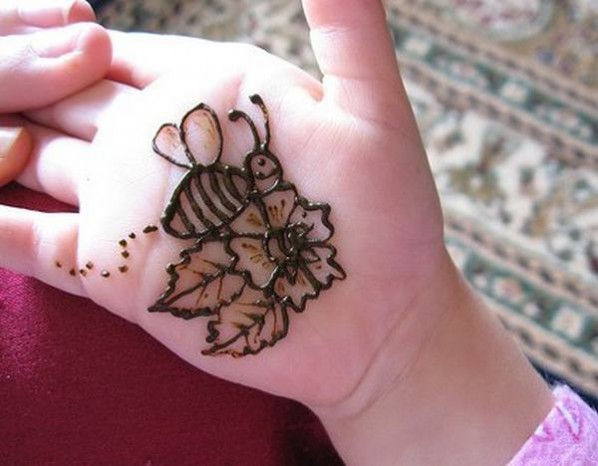 Bee And Flower Design on Palm of The Hand