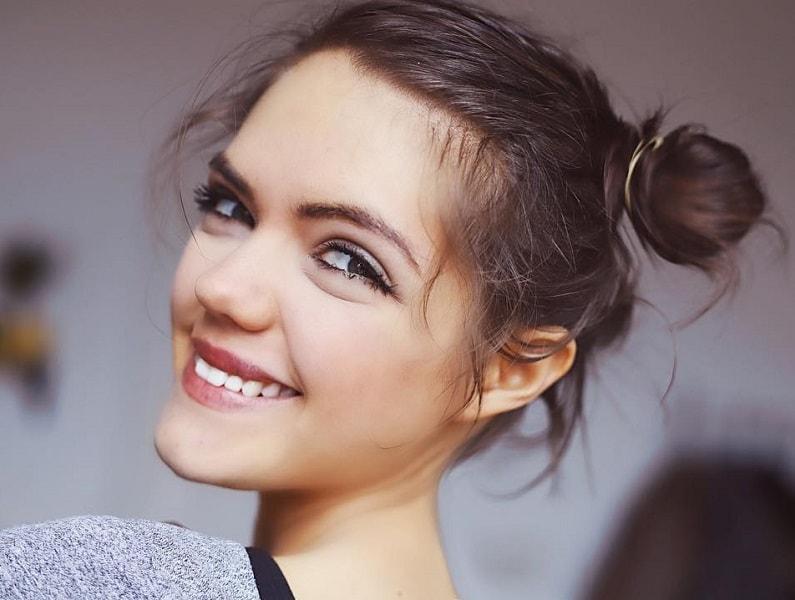 topknot on short hair for girls