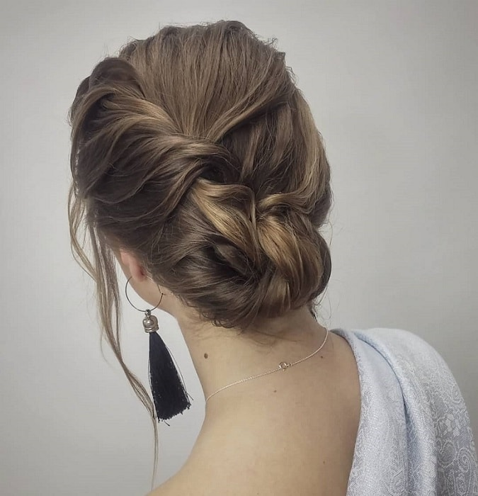 Hairstyles For Girls In Wedding: 15 Hypnotic Wedding Hairstyles That Girls Can Sport