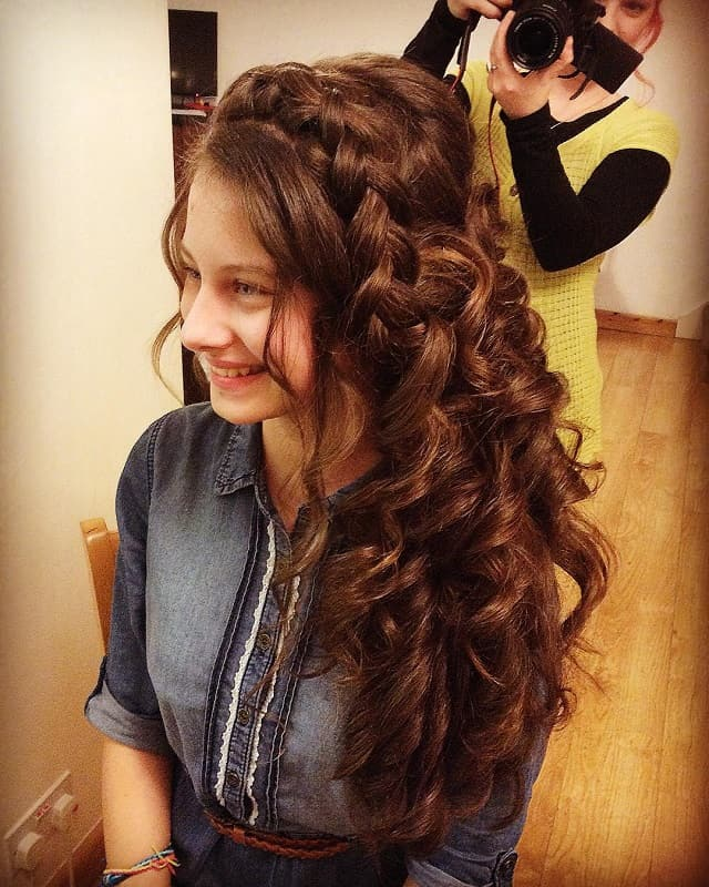 long curly hairstyles for girls