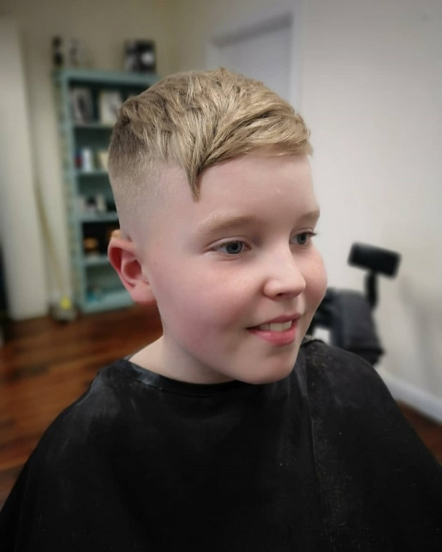 straight hairstyles with fade for boys